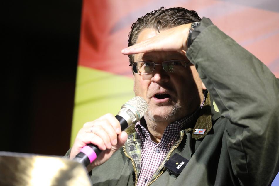AfD-Politiker missachtet Corona-Regeln: Wird ihm ein Foto zum Verhängnis?