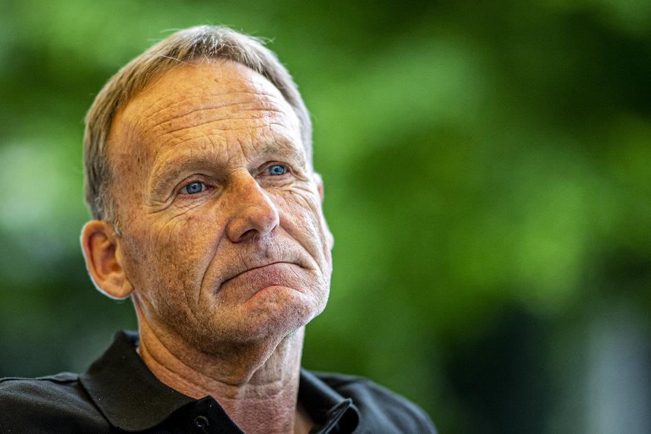 """Hans-Joachim Watzke, der Geschäftsführer von Borussia Dortmund, sieht bei Bundesligaspielen kein große Corona-Gefahr, weil sich die Zuschauer """"super diszipliniert"""" verhalten würden."""