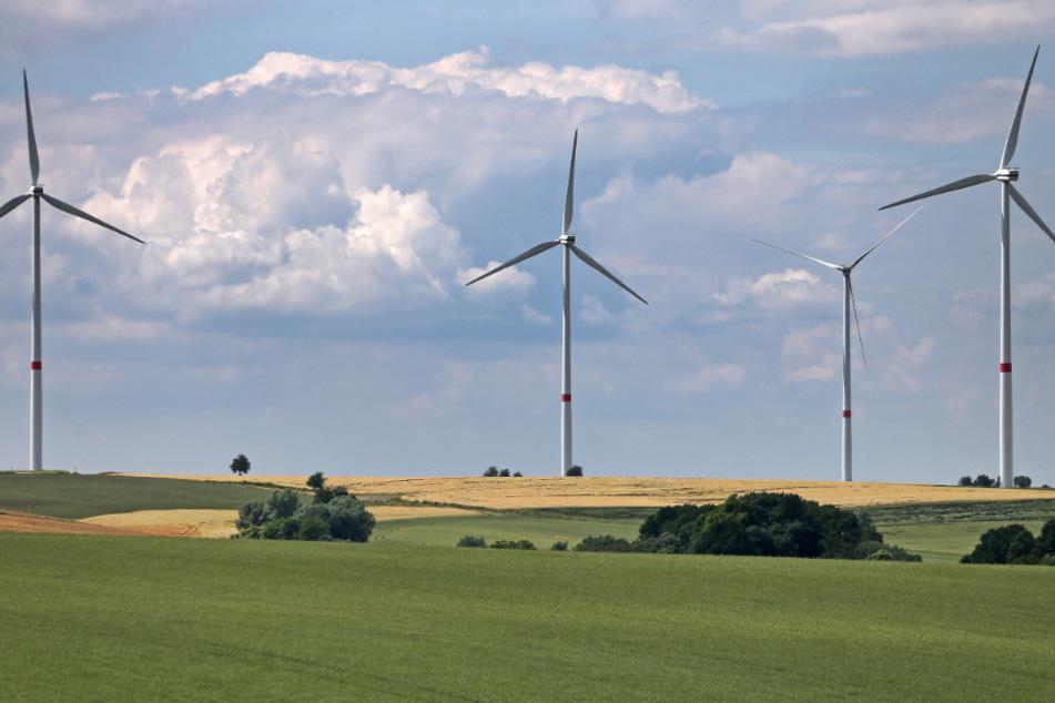 Ausbau stockt: In Sachsen, aber auch bundesweit, werden immer weniger Windkraftanlagen gebaut. Das gefährdet das Energie- und Klimaprogramm (EKP) der Koalition, das derzeit neu aufgelegt wird.