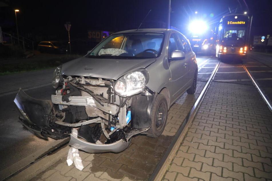 Am Nissan entstand Totalschaden.