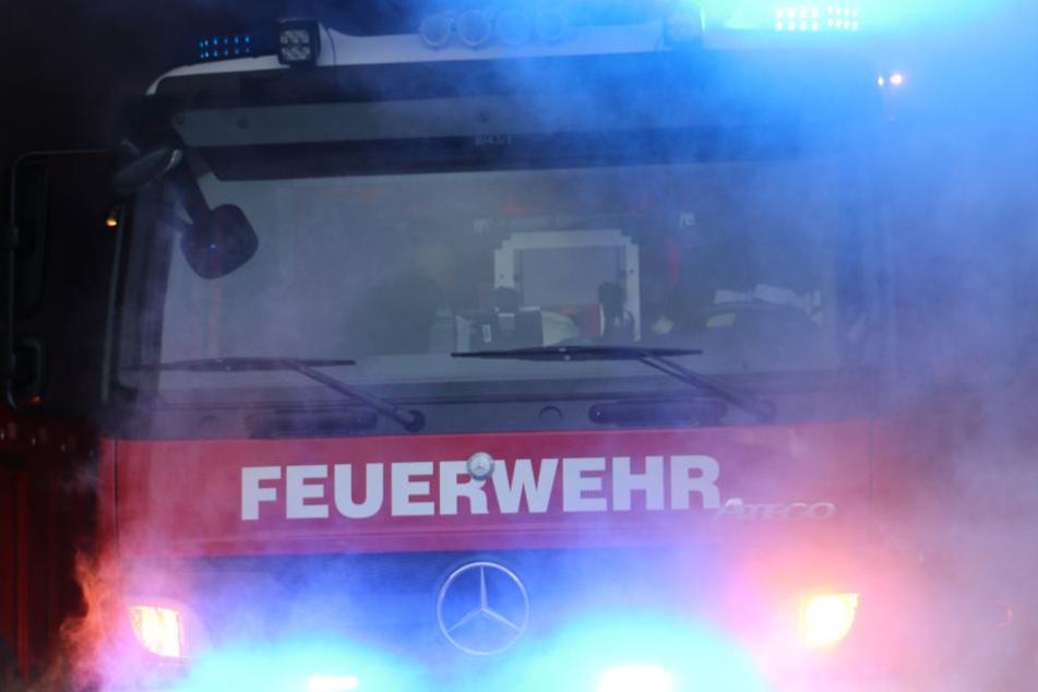 Die Feuerwehr vor Ort bekam den Brand in den Griff. (Symboldbild)