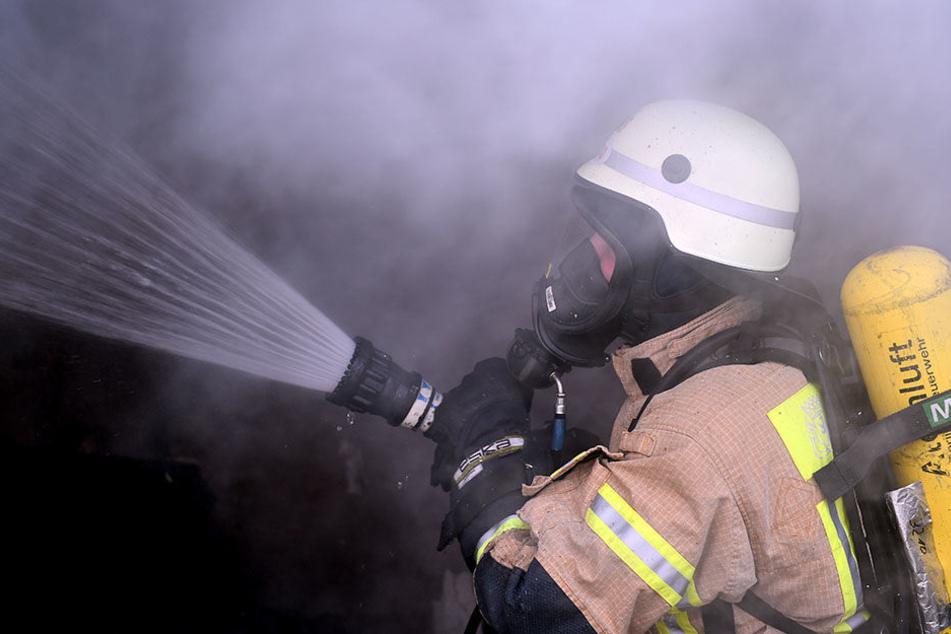 Bei einem Wohnungsbrand in Berlin-Wilmersdorf ist ein Mann ums Leben gekommen. (Symbolbild)