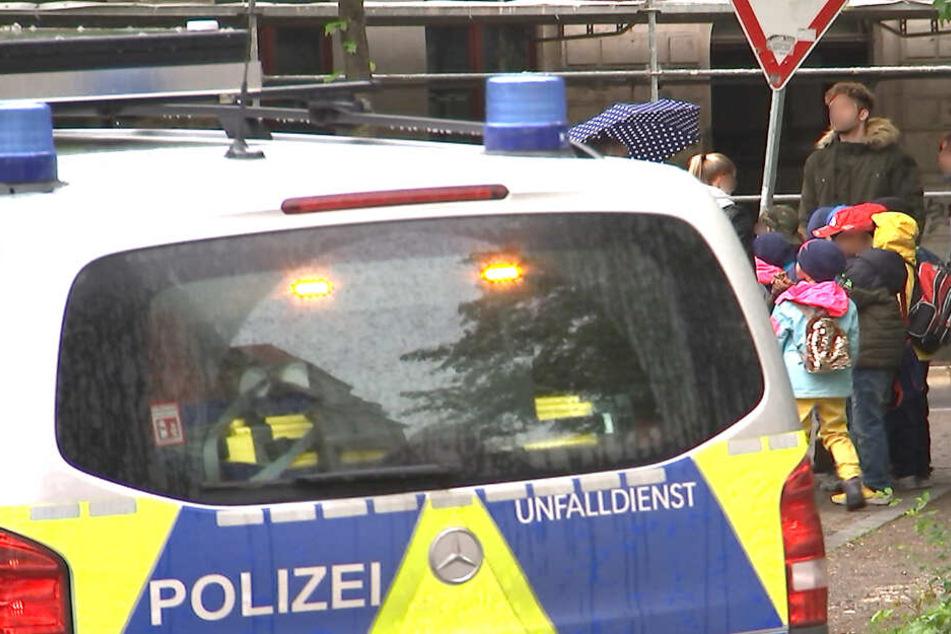 Drei Kinder wurden vor Ort, weitere fünf im Krankenhaus behandelt.