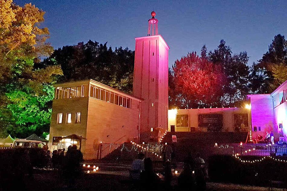 Das Lichterlabyrinth an der Küchwaldbühne bildete den Auftakt für die Probenphase der Europäischen Sommerphilharmonie.