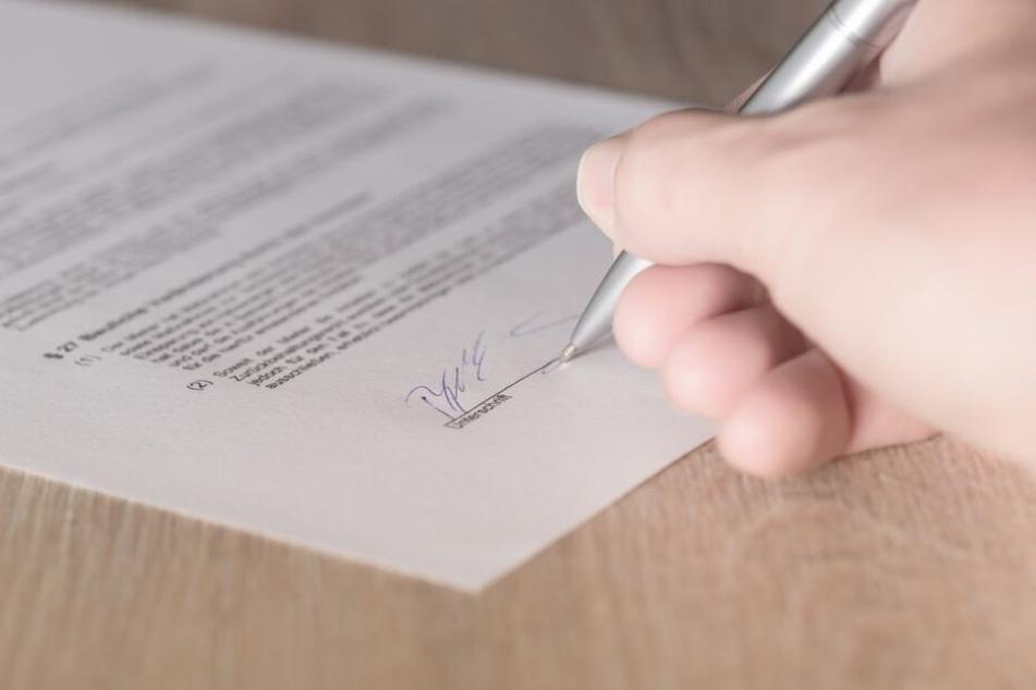 Im Mietvertrag sollten alle volljährigen Mitbewohner aufgenommen werden.