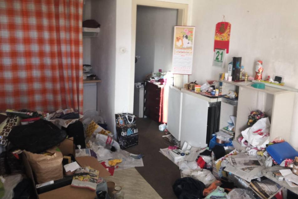 In dieser Oberhausener Wohnung fand die Polizei mehrere tausend Euro sowie wertvolle Smartphones.