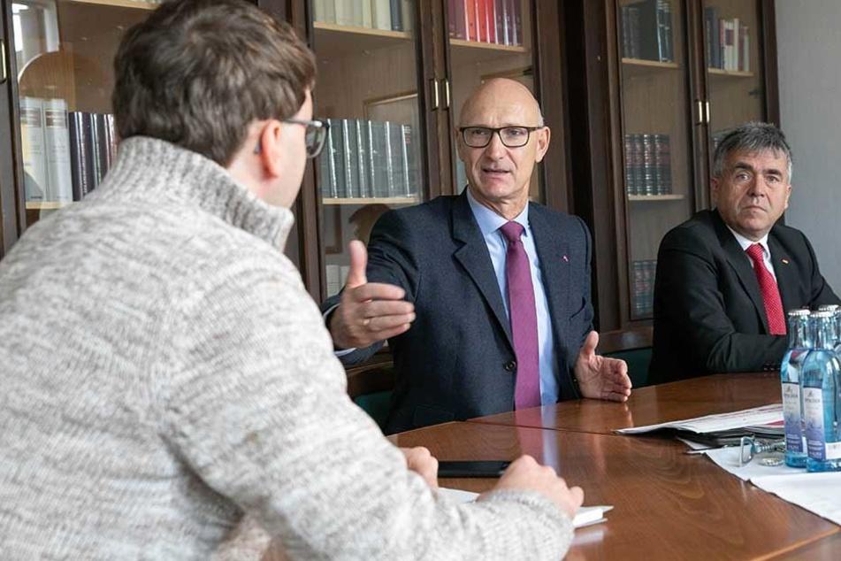 Der Vorstandsvorsitzende der Deutschen Telekom, Timotheus Höttges (56), im Gespräch mit TAG24-Redakteur Hermann Tydecks.