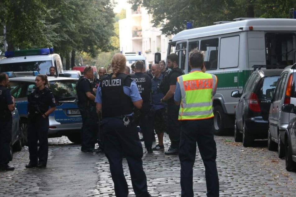 Die Polizei war mit rund 60 Einsatzkräften vor Ort.