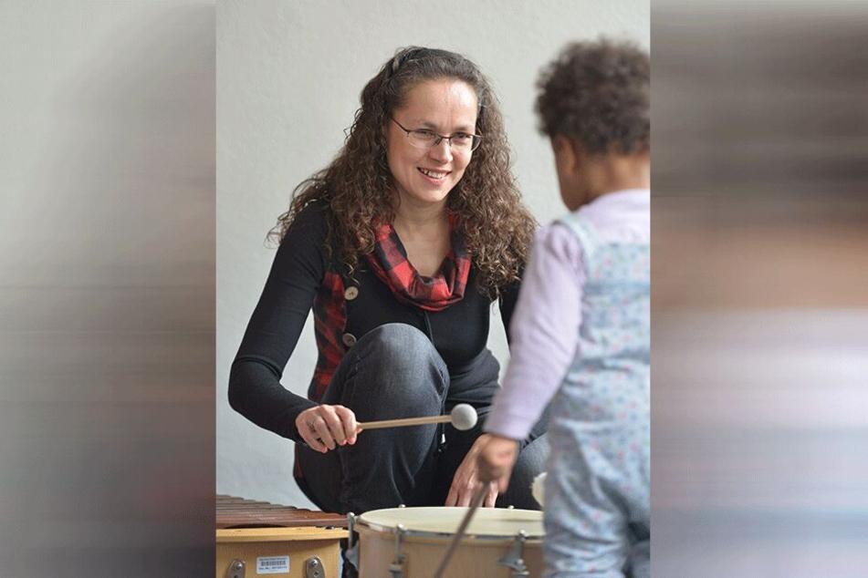 Mit Herzblut dabei: Musiklehrerin Natalie Neppl (49) weiß um die Anforderungen bei der musikalischen Früherziehung.