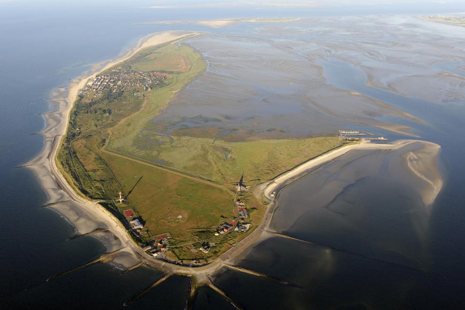 Die Luftaufnahme zeigt die ostfriesische Insel Wangerooge im Nationalpark Niedersächsisches Wattenmeer. (Archivbild