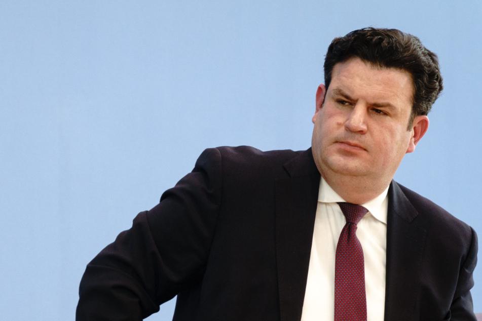 Corona-Testpflicht in Unternehmen: Arbeitsminister Heil will ernst machen!