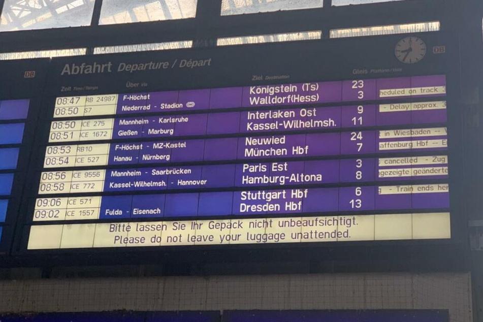Zahlreiche Züge fielen aus, der ICE von Hamburg nach Stuttgart wurde eingestellt.