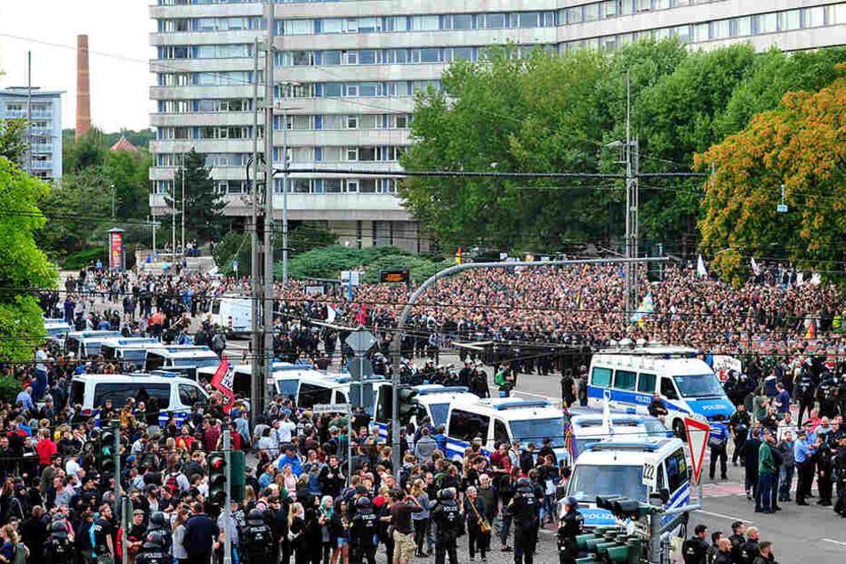 Rechte Demos in Chemnitz: Wohnungen von Tatverdächtigen durchsucht
