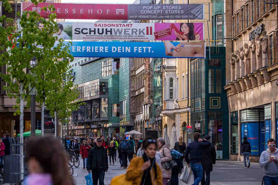 Die Petersstraße: Hier reiht sich Geschäft an Geschäft und die Leipziger schlagen ordentlich zu!