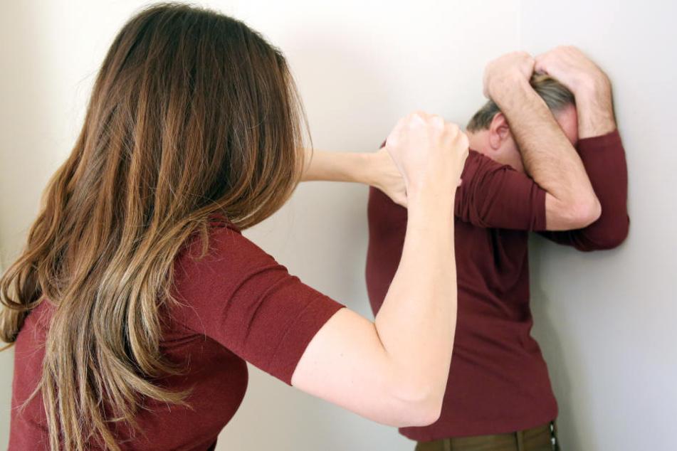 Wenn der Mann zum Opfer wird, braucht es meist viel Überwindung um Hilfe anzunehmen.