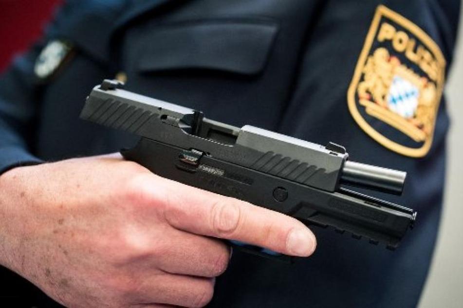 Die Polizei schoss den Angreifer nieder. (Symbolbild)