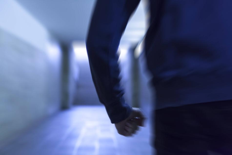 Ein 19-Jähriger hat bei einem Abi-Streich in Düsseldorf einen Hausmeister verletzt (Symbolbild).