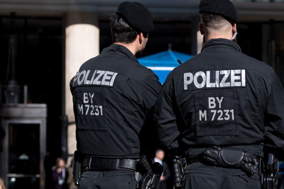 Die Polizei konnte den offenbar geistig verwirrten Mann festnehmen. (Symbolbild)