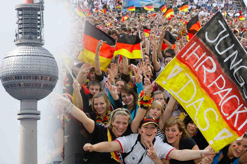 Zum ersten Mal können Fans auf dem Berliner Fernsehturm die Weltmeisterschaft verfolgen.