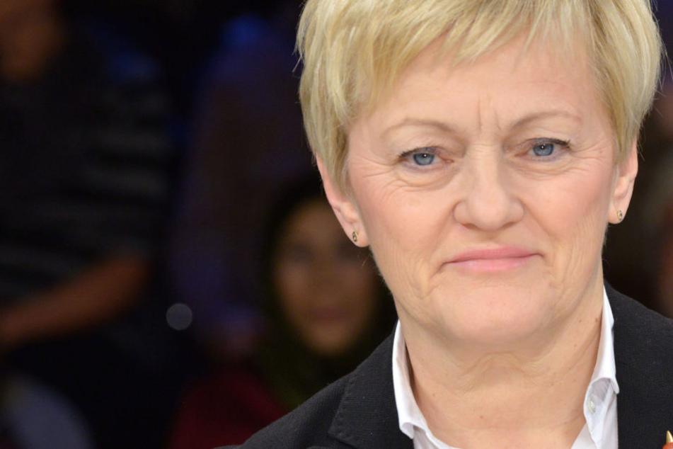 Renate Künast (62) wird gegen die perfiden Hasskommentare rechtliche Schritte einleiten.