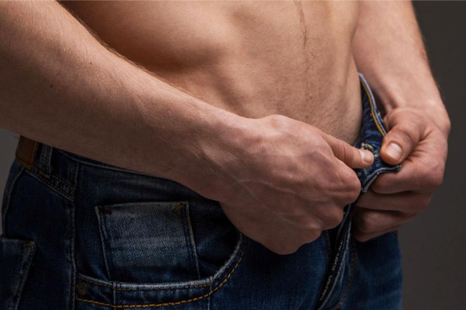 Angeblich wollte der Angeklagte seine Partnerin zu oralen Sexpraktiken zwingen (Symbolbild).