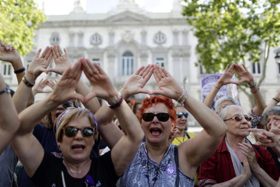 Demonstrationen 2018 in Spanien gegen die milden Urteile für Sexualstraftäter. (Archivbild)