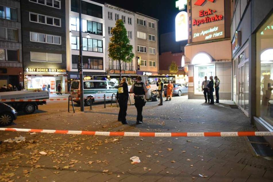 Köln: Mann (27) am Wiener Platz niedergestochen: Täter flüchtig