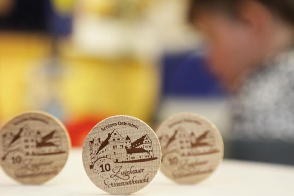Zum zehnjährigen Jubiläum der Zwickauer Schlossweihnacht gibt es einen ganz besonderen Holztaler.