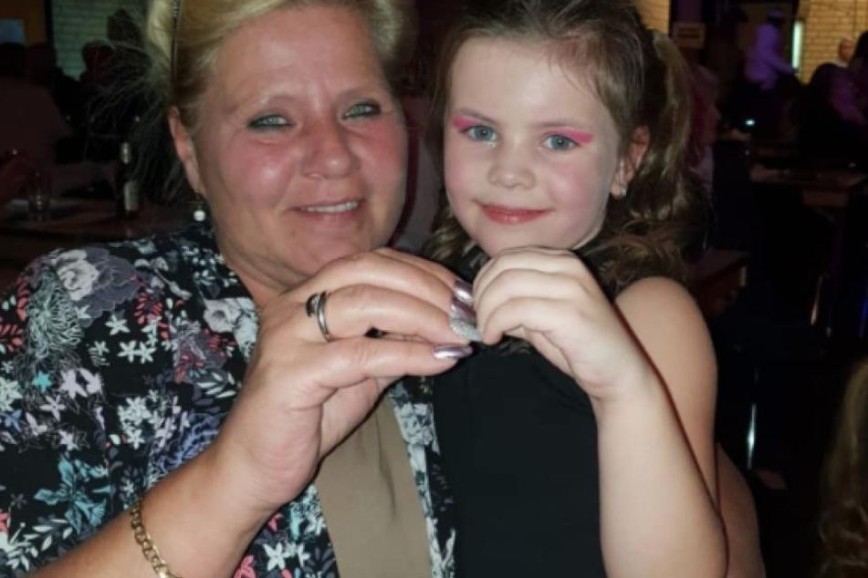 Silvia Wollny (53) mit ihrer Enkelin Celina-Sophie (5).