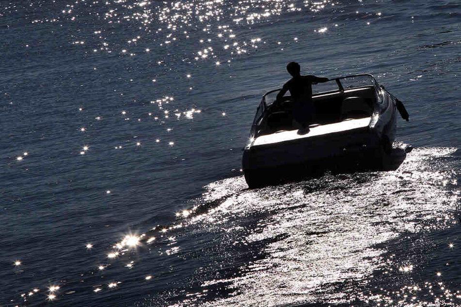 Der 43-Jährige war im Urlaub an der Mecklenburgischen Seenplatte, als ihm sein Motorbott geklaut wurde. (Symbolbild)