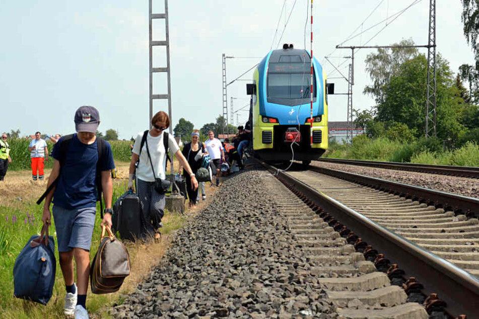 200 Menschen mussten den Zug verlassen.