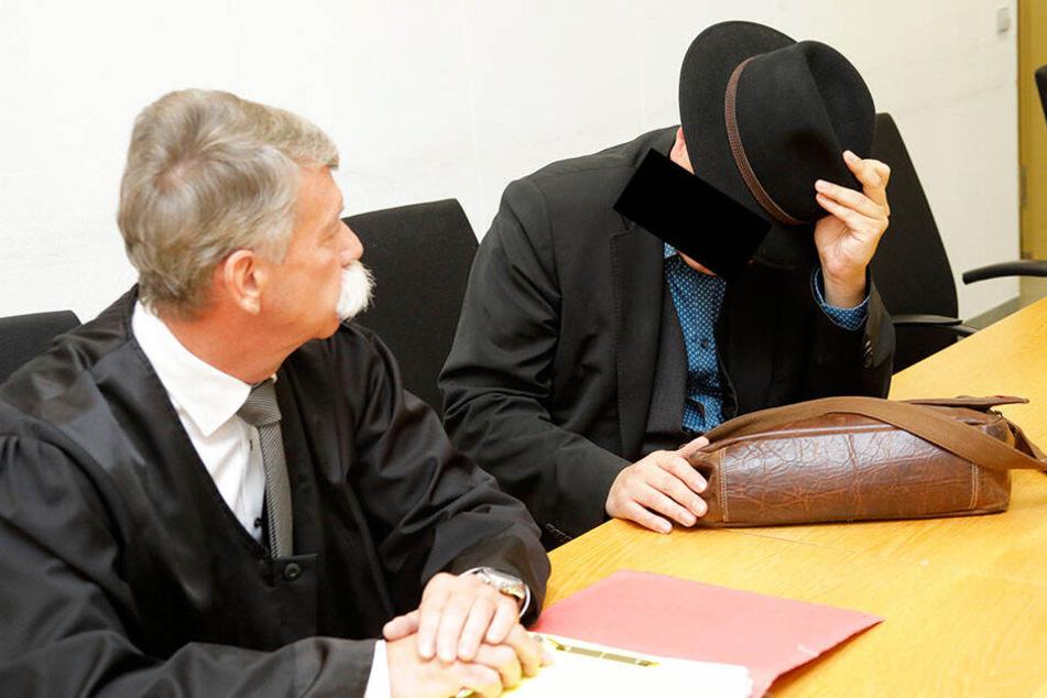 Ex-Pfarrer Carsten R. (49) ist in acht von elf Fällen schuldig gesprochen worden und muss zweieinhalb Jahre in den Knast.
