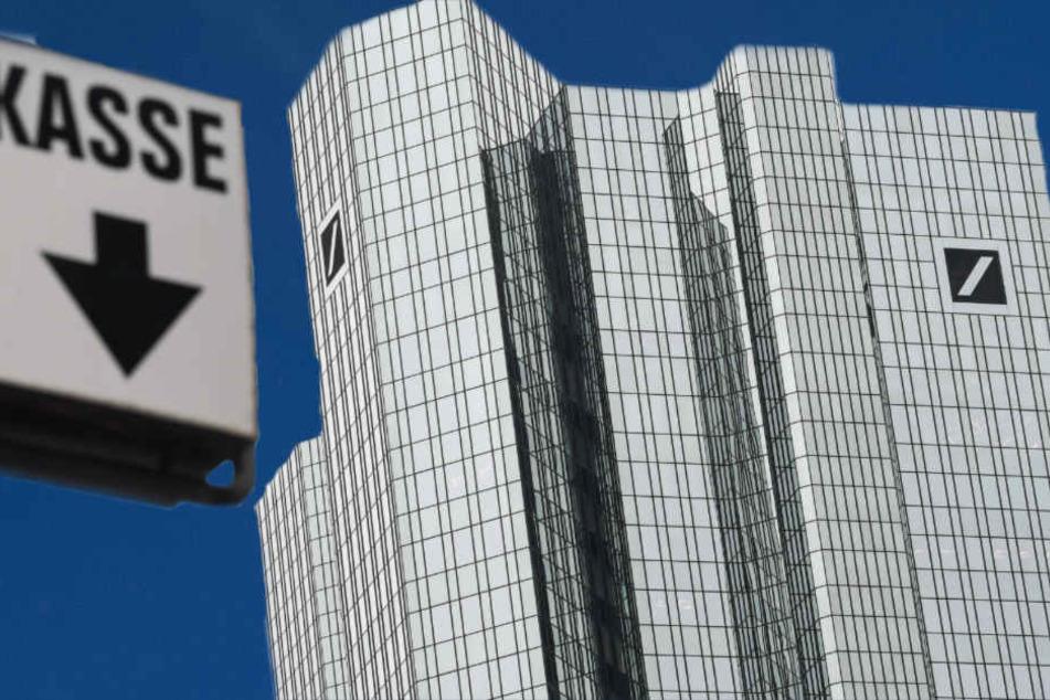 Peinliche Panne: Deutsche Bank überweist aus Versehen 28 MILLIARDEN Euro
