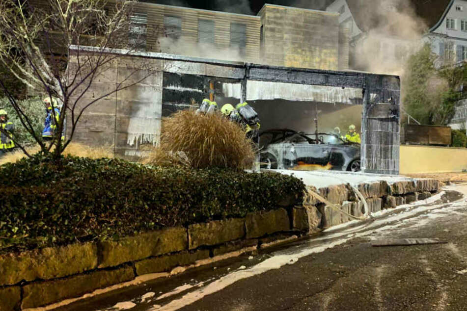 Bei dem Brand entstand ein Gesamtschaden von rund 200.000 Euro.