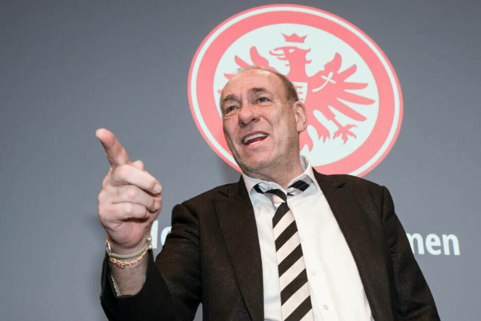 Bei der Mitgliederversammlung am Sonntag präsentierte sich Eintracht-Präsident Peter Fischer in bester Laune.