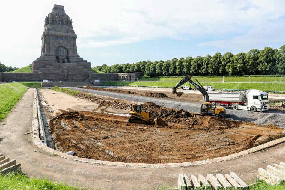 """Das Denkmal wurde zu seinem hundertjährigen Bestehen aufwendig saniert. Bis 2018 folgten unter anderem das Wasserbecken vor dem """"Völki""""."""