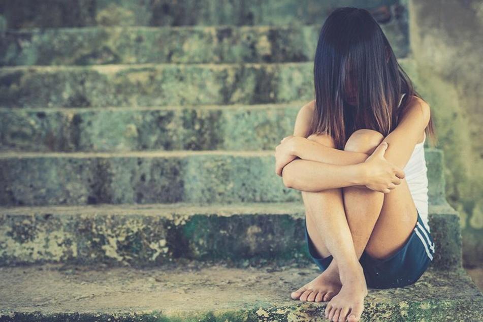 Eltern des Opfers schockiert: Fünf Männer posten gemeinsame Vergewaltigung eines Mädchens in sozialen Medien
