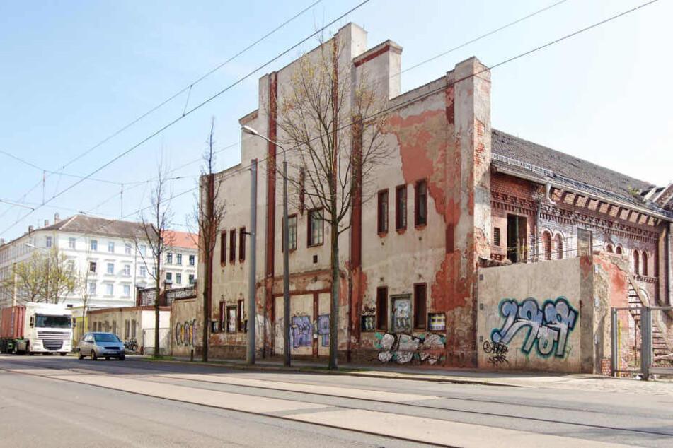 """Das """"Kino der Jugend"""" in der Eisenbahnstraße, das seit 30 Jahren leerstand, soll zum multifunktionalen Kultursaal wiederaufgebaut werden."""
