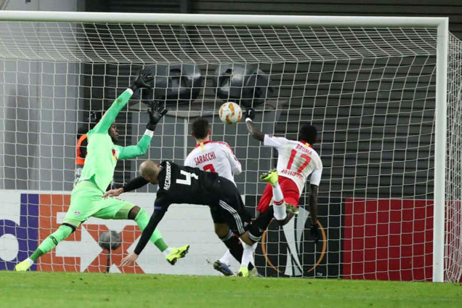 Er streckte sich vergebens: Gegen Trondheim kassierte Yvon Mvogo kurz vor Schluss den 1:1-Ausgleich, der RB Leipzigs Ausscheiden aus der Europa League bedeutete. Sein letzter Auftritt für die Sachsen?