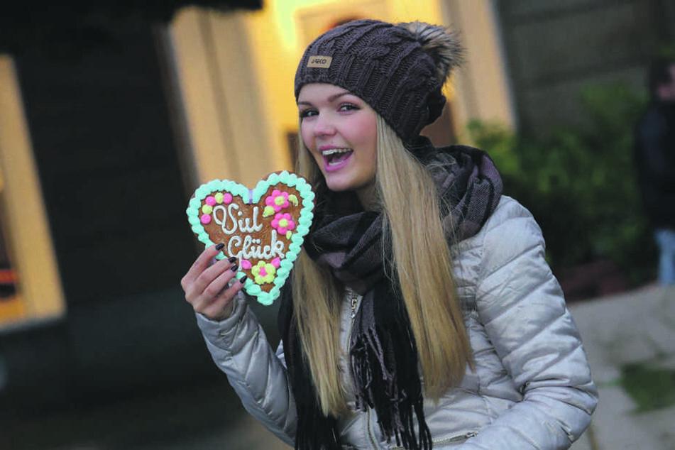 Immer noch verdammt süß, aber zehn Jahre älter: Linda Jung (18) singt jetzt Schlager, tritt auf Festen auf.