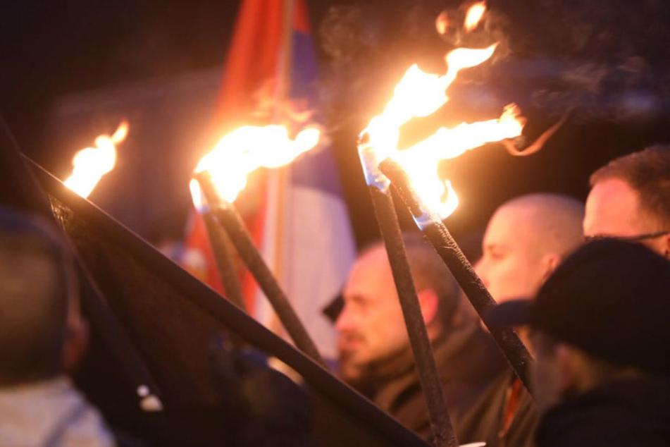 13.-Februar-Demos: Sitzblockaden gegen rechten Aufzug