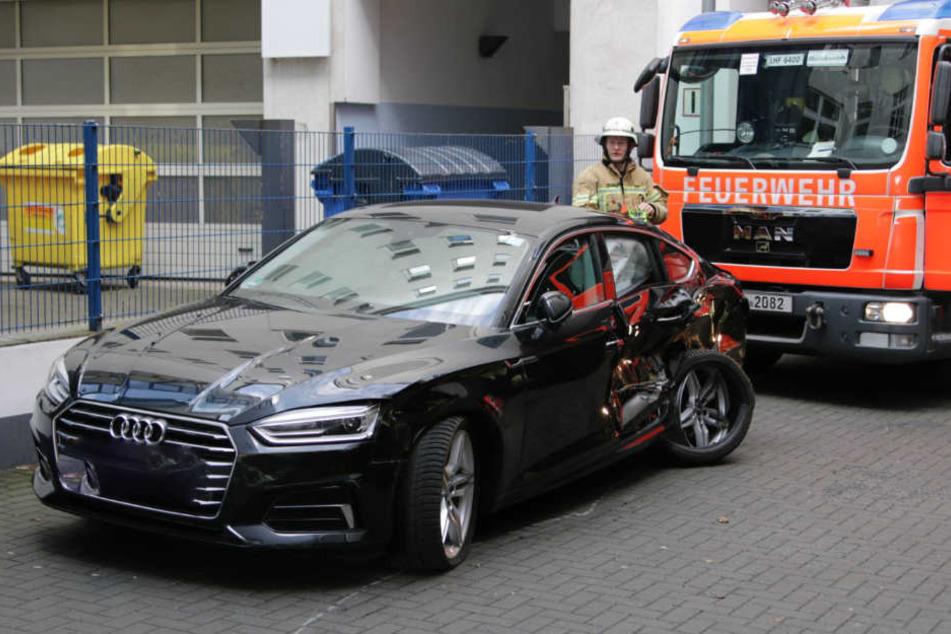 Bei dem Unfall wurde der Audi schwer beschädigt.