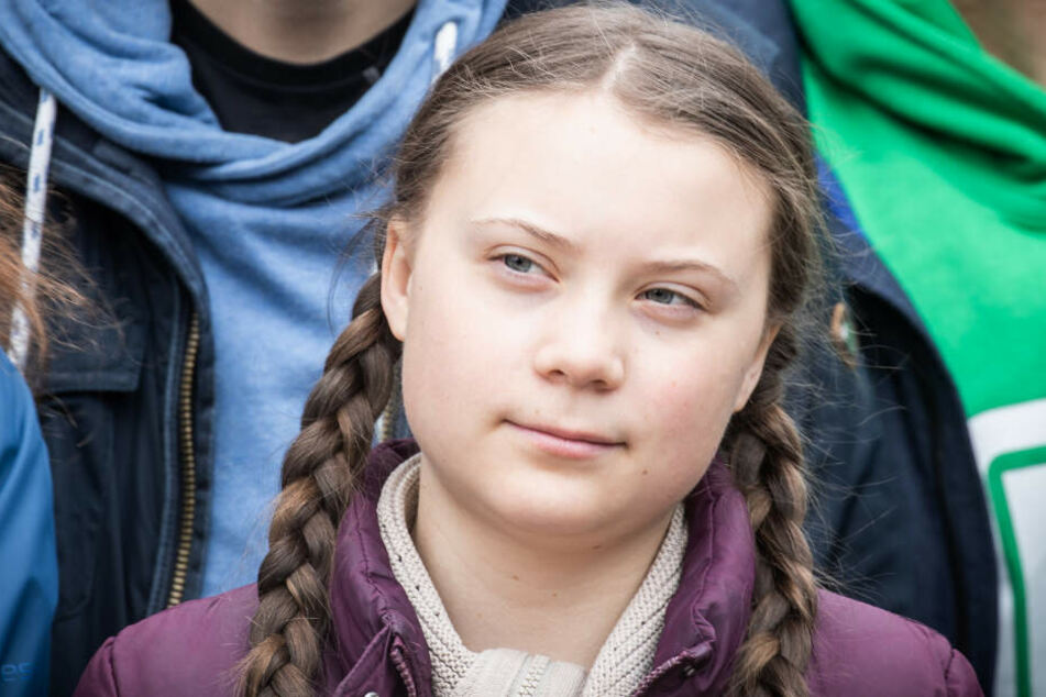 """Die Umweltaktivistin Greta Thunberg nimmt zusammen mit Schülern an der Klimademonstration """"Fridays for Future"""" teil. (Archivbild)"""