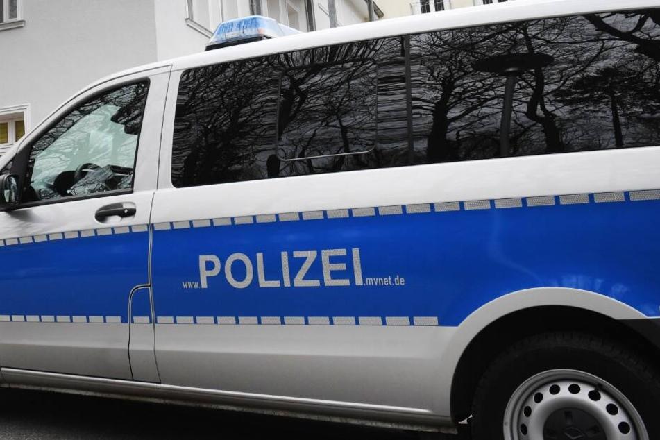Die A661 musste von der Polizei voll gesperrt werden. (Symbolbild)