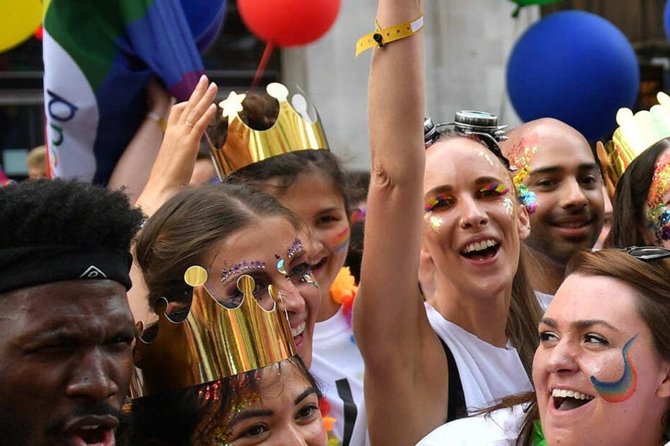Das Paar vergnügte sich, während andere in London die Pride Parade feierten.