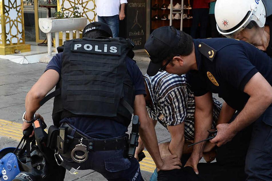 Dass ein in Deutschland lebender Türke schon an der Grenze zu seinem Heimatland verhaftet wird, ist ein Novum. (Symbolbild)