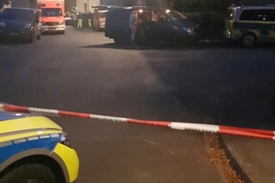 Mann schießt auf Parkplatz in Bonn: SEK im Einsatz