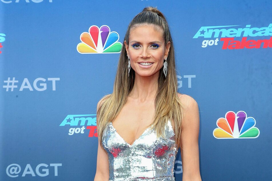 Heidi Klum teases fans with pregnancy picture on Instagram