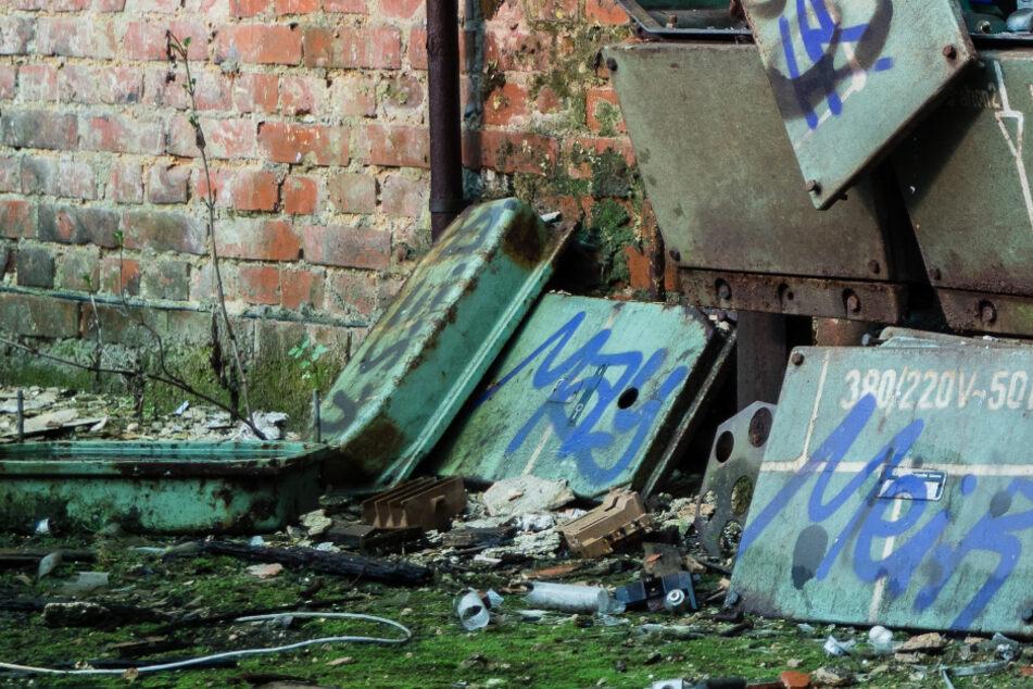 Die jungen Leute wollten das verlassene Gebäude auf eigenen Faust erkunden. (Symbolbild)