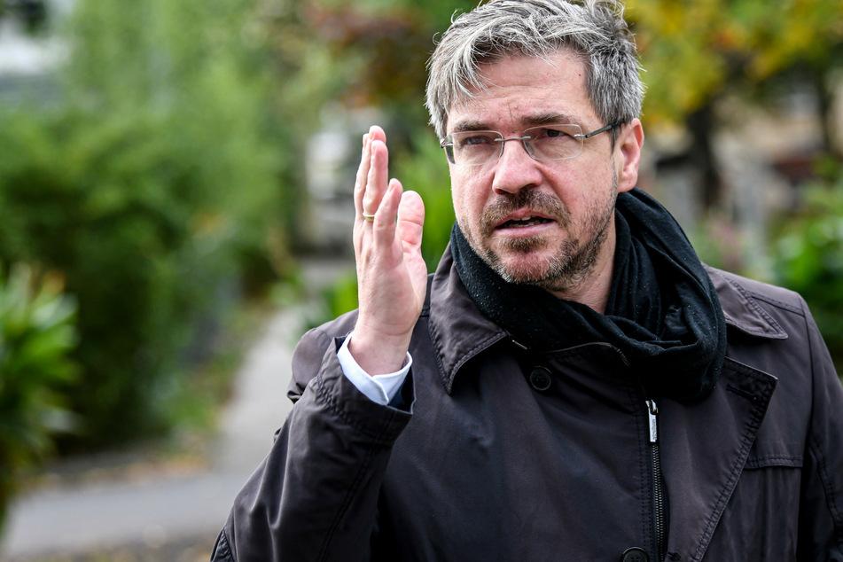 Potsdams Oberbürgermeister Mike Schubert (48, SPD) wirbt für regelmäßiges Testen, etwa in Testzentren oder Apotheken.